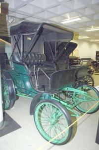 1899 Winton Motor Carriage Phaeton image.
