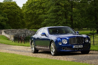 BENTLEY INTRODUCES THE NEW FLYING SPUR TO CHINA