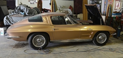 VICARI AUCTION COMPANY OFFERS RARE '62 & '63 Z06 CORVETTES AT 2013 CRUISIN' NOCONA