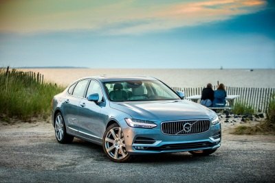 ALL-NEW VOLVO S90 A FINALIST FOR 2017 NORTH AMERICAN CAR OF THE YEAR, PODIUMS FOR MOTOR TREND CAR OF THE YEAR