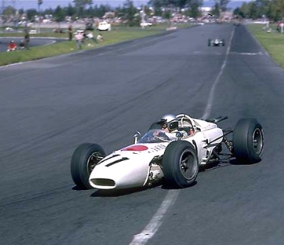 1965 Mexico Grand Prix: Ginther Finally Gets It!