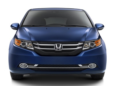 2016 HONDA ODYSSEY POISED TO CLEAN UP AND ENTERTAIN WITH HONDAVAC™ AND REAR SEAT ENTERTAINMENT