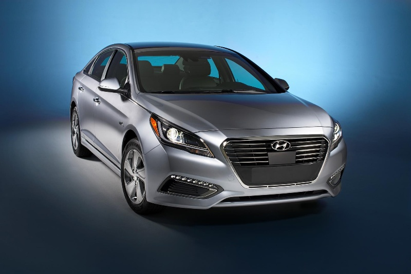 2016 HYUNDAI SONATA PLUG-IN HYBRID EXPECTED TO DELIVER CLASS-LEADING 22 MILE ALL-ELECTRIC RANGE