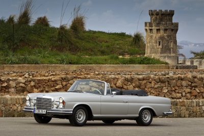 107 and C 126 model series coupés successful on the market: 2017 was another exceptionally good year for classic Mercedes-Benz vehicles
