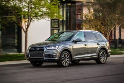Audi Q Awarded Best New Car In Luxury MidSize SUV - Audi sub