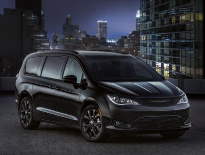 2018 Chrysler Pacifica Wins Cars.Com 'Family Car Of The Year' Award