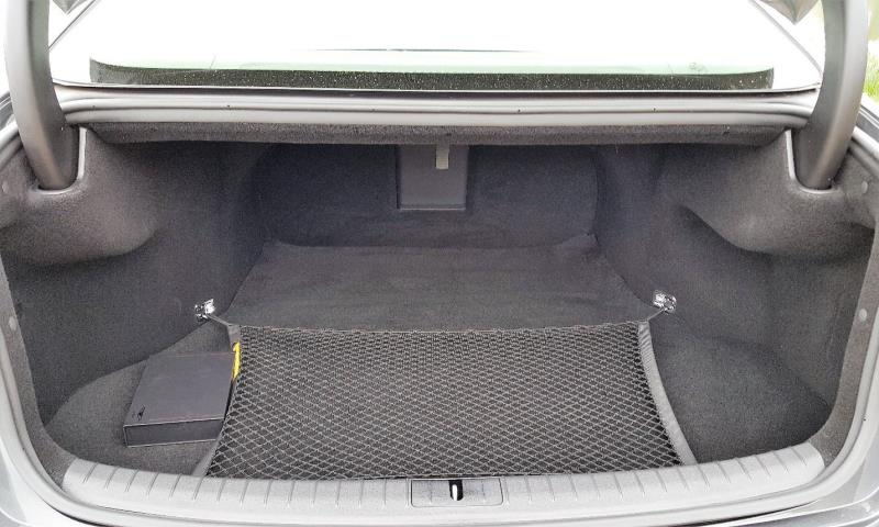 2018 Genesis G80 RWD 3.8 trunk and cargo area