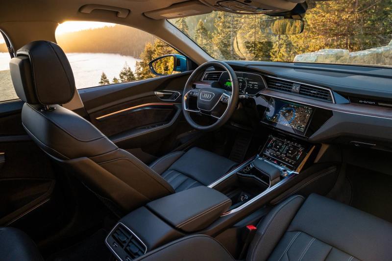 2019 Audi e-tron SUV Wins 2020 'Wards 10 Best Interiors' Award