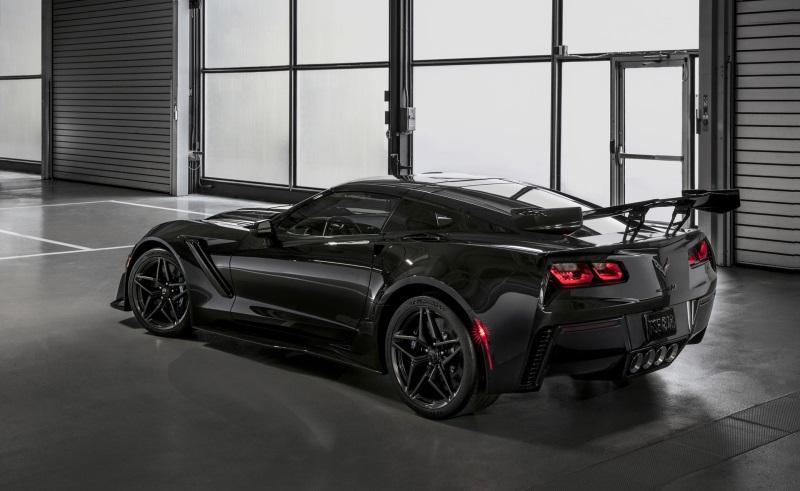 First Modern-Era Corvette ZR1 Convertible Makes Debut