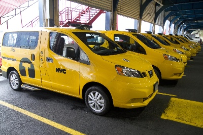 25-YEAR NYC TAXI DRIVER SAYS NISSAN NV200 FITS THE BILL