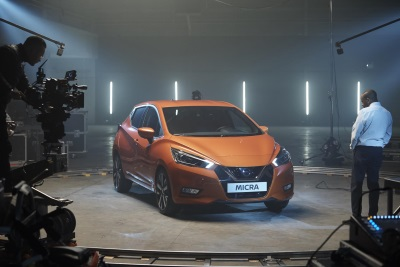 WHAT CAN YOU REMEMBER AFTER 60 SECONDS? NISSAN CHALLENGES ARTIST STEPHEN WILTSHIRE TO RECREATE MICRA'S MEMORABLE DESIGN