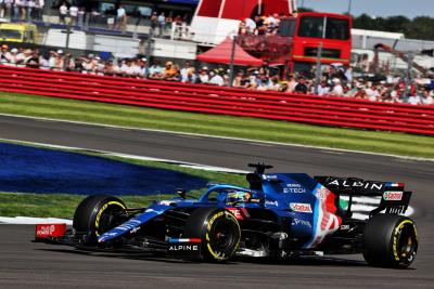 Double points for Alpine F1 Team in battle of Britain