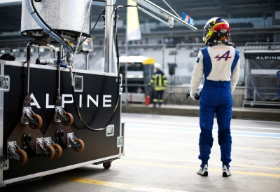 ALPINE SHARES RESOURCES TO FORM TWO FRONT-RUNNING CREWS