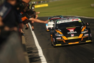 Ash Sutton Stars With Memorable Snetterton Double