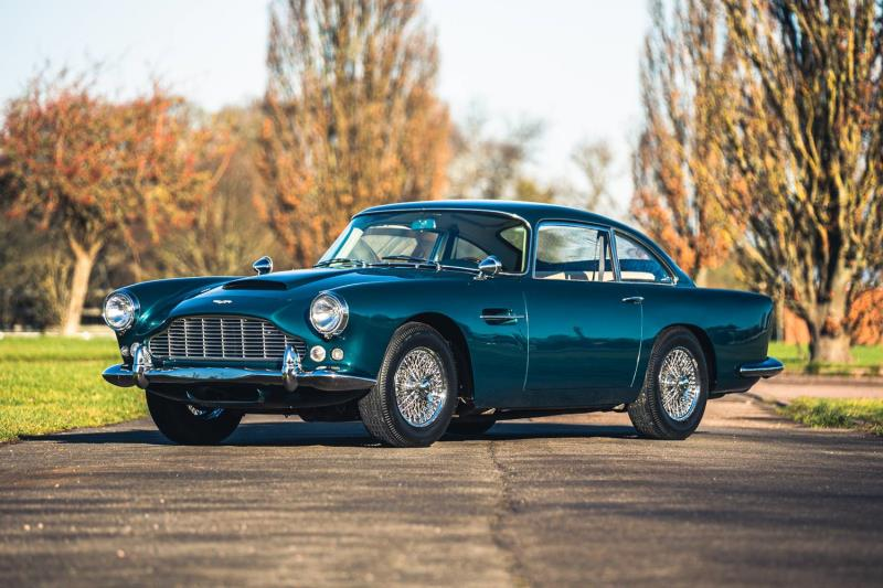 Three breathtaking Aston Martins confirmed for Silverstone Auctions first sale of 2021