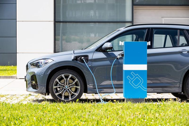 More Than Seven Million Vehicles With All-Electric Or Plug-In Hybrid Drive Systems By The Year 2030