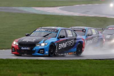 BMW Clinches Manufacturers' And Teams' Crowns In Wet And Wild Brands Hatch Finale