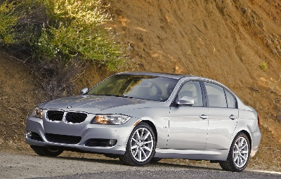 bmw 3 series ranks no 1 in kelley blue book 39 s list of 10 best certified pre owned luxury cars under. Black Bedroom Furniture Sets. Home Design Ideas