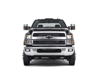 From Racetrack To Worksite: Chevrolet's All-New 2019 Silverado Chassis Cab Trucks Adopt Racing-Inspired Flowtie