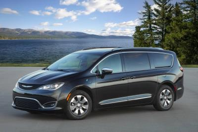 Chrysler Pacifica Hybrid Earns Top SUV/Minivan Honors In 2020 AAA Car Guide