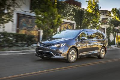 2019 Chrysler Pacifica Hybrid Crowned Overall Best Family Car By The Greater Atlanta Automotive Media Association