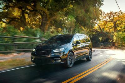 Chrysler Pacifica Claims CarBuzz 2020 Family Fun Award