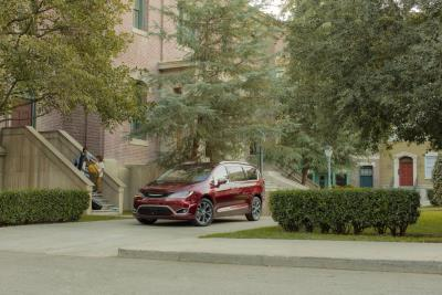 Chrysler Pacifica Makes The Grade As A Cars.Com Top-Five Family-Friendly Vehicle For New School Year