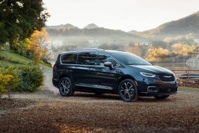 Chrysler Opens Orders For New, Redesigned 2021 Chrysler Pacifica, Announces Minivan Lineup Pricing