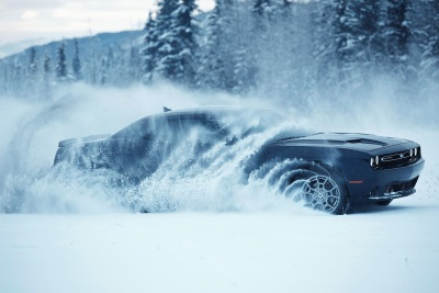 DODGE CHALLENGER GT FLEXES ITS ALL-WHEEL DRIVE MUSCLE PLAYING IN THE SNOW IN NEW 'RUSSIA' TV AD
