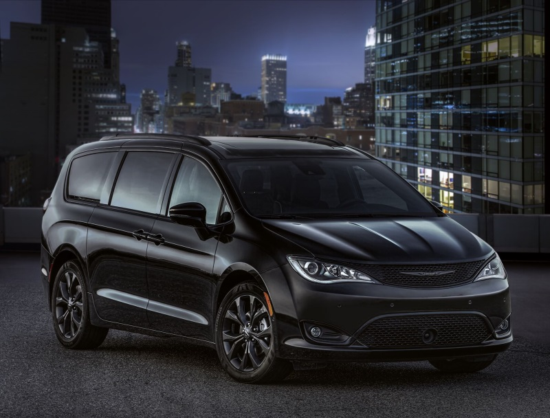 FCA Canada: Chrysler Pacifica Named Repeat Winner As 2018 Autotrader ...