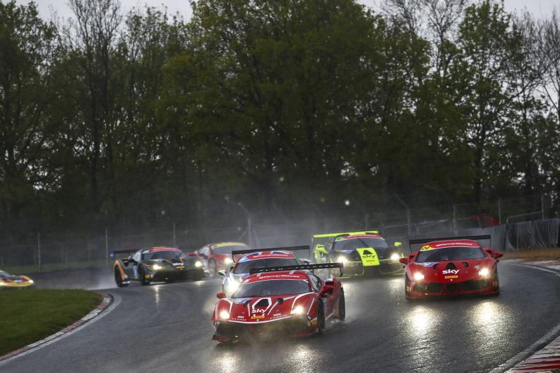 Ferrari Challenge UK - Exciting opening weekend to the season at Brands Hatch