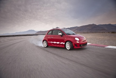 FIAT BRAND ANNOUNCES KICK-OFF OF 2015 ABARTH TRACK EXPERIENCE