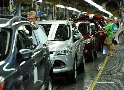FORD ESCAPE SETS NEW SALES RECORD FOR SMALL UTILITIES
