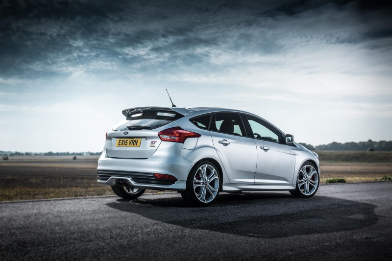 DEMAND FOR NEW FORD FOCUS ST MORE THAN DOUBLES AS DIESEL POWERSHIFT DEBUTS