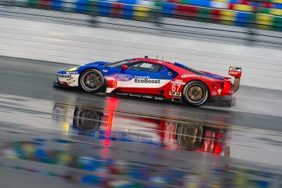 FORD GT QUALIFIES FOR ROLEX 24