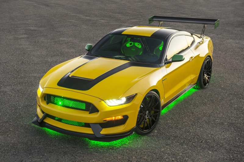 FORD DONATED 'OLE YELLER' MUSTANG RAISES $295,000 TO SUPPORT EAA YOUTH EDUCATION AND AVIATION