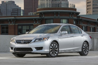 HONDA ACCORD HYBRID AND CIVIC NATURAL GAS NAMED TO KBB.COM'S 10 BEST GREEN CARS OF 2014 LIST