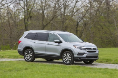HONDA PILOT, NAMED 'BEST THREE-ROW SUV' IN CARS.COM MIDSIZE SUV CHALLENGE