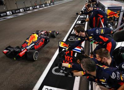 Honda, Verstappen Romps To Win in F1 Season Finale