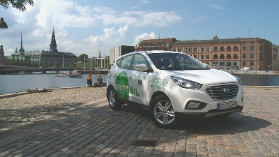 Hyundai Motor Delivers First 15 Hydrogen-Powered Ix35 Fuel Cell In Europe