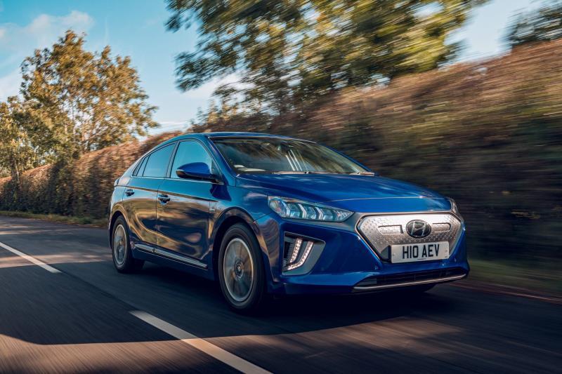 Hyundai Ioniq Named Best Electric Family Car Conceptcarz Com