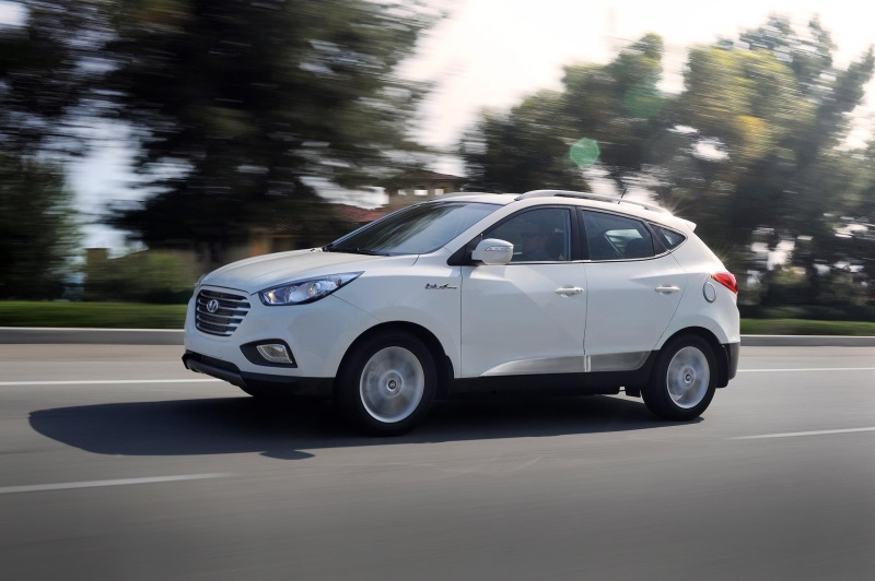 2016 HYUNDAI TUCSON FUEL CELL CONTINUES TO ATTRACT ZERO-EMISSIONS-FOCUSED CUSTOMERS WITH NEW COLORS AND FEATURES