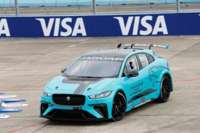 Jaguar Racing Complete Global Debut Of I-PACE eTROPHY Racecar
