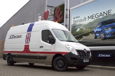 JCDECAUX UK SIGNS UP FOR MORE RENAULT TRAFIC AND MASTER VANS