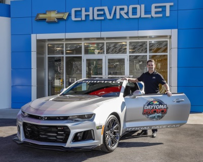 Jeff Gordon Drives Camaro ZL1 Pace Car At Daytona 500