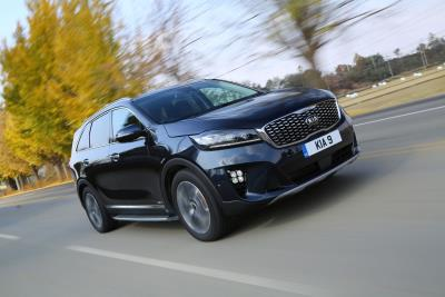 New GT-Line Models And Eight-Speed Auto Gearbox Enhance Looks And Efficiency Of New Kia Sorento