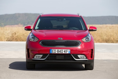 STYLISH KIA NIRO HYBRID CROSSOVER ON SALE FROM JUST £21,295