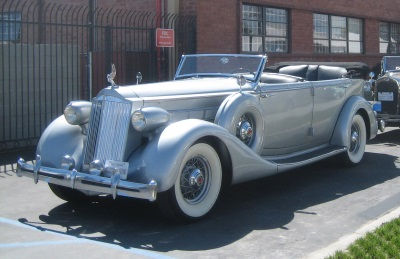 LAS CLASSIC AUTO SHOW TO SHOWCASE OVER MILLION DOLLARS WORTH - Classic car showcase