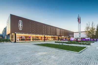 LINCOLN OPENS FIRST STORES IN CHINA AND UNVEILS 'THE LINCOLN WAY'