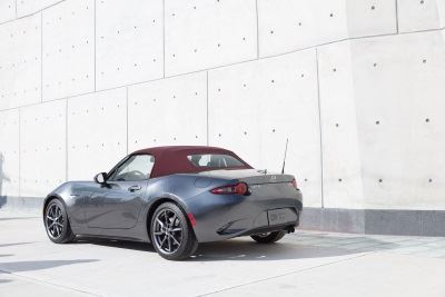 Mazda's Holiday Treat: 2018 MX-5 Miata With New Dark Cherry Soft Top Option